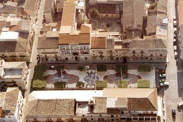 """""""Città delle pietre dipinte e dei murales"""" a Campobello di Licata"""